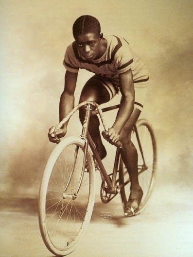 Convoy #cycle #sport #cyclist #black