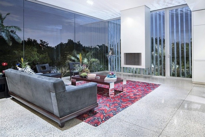 Vertical House in Dallas 5