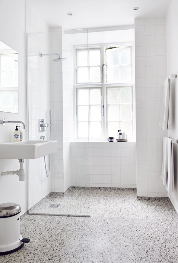 White bathroom with terrazzo floor. #interiordesign #minimal #bathroom #terrazzo