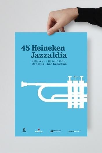 33Cartel45HeinekenJazzaldia_01.jpg (JPEG Imagen, 666x1000 pixels) #graphic design #poster #la #caja #de #tipos