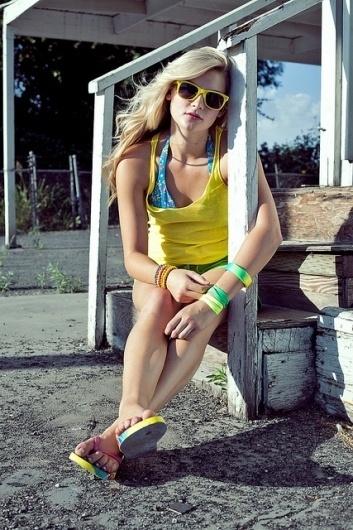Flickr: michaelmartinho's Photostream #bright #girl #photo #photography #fashion #beach