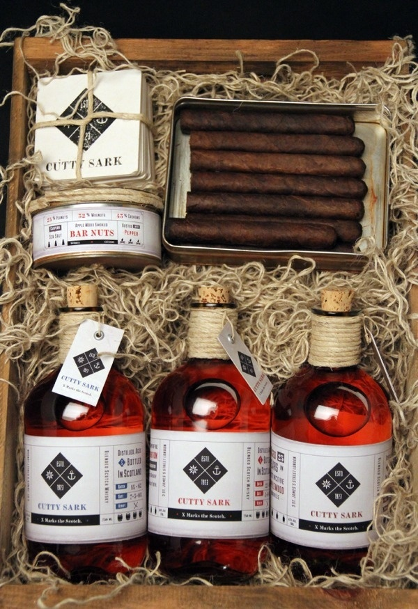 Cutty Sark Whiskey #whiskey #cigar #branding #nuts #scotch #aged #coasters #wood #twine #identity #bar #type