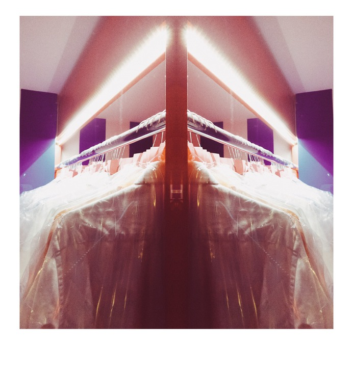 #cleaning #retaildesign #vsco #nippes PHOTOGRAPHIE © [ catrin mackowski ]