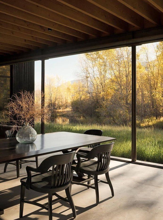 dining room / Lake Flato Architects