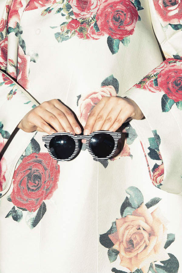 Glossy Pages #glasses #de #comme #garcons #flowers