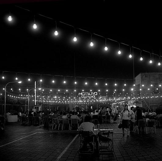 nachtbild 2 | Flickr - Photo Sharing! #white #and #black #restaurant #photography #film #japan