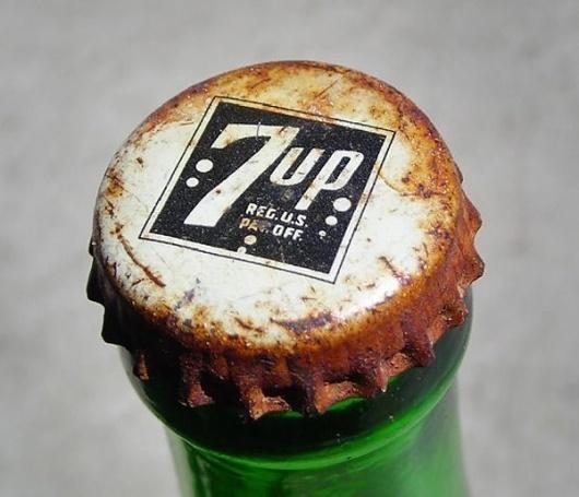 Google Image Result for http://www.wedesignandconquer.com/wp-content/uploads/vintage7upcap.jpg #logo #cap #vintage #soda