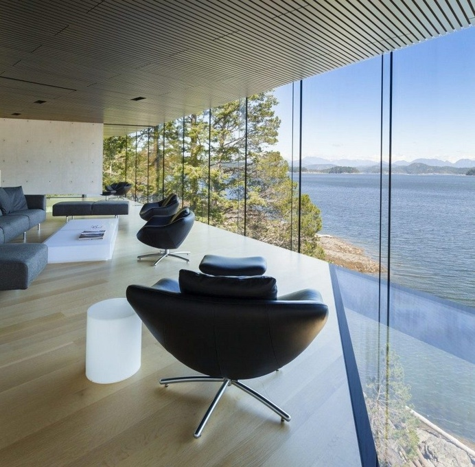 Tula House is Perched 44 Feet Above the Pacific Ocean on a Remote Island 10