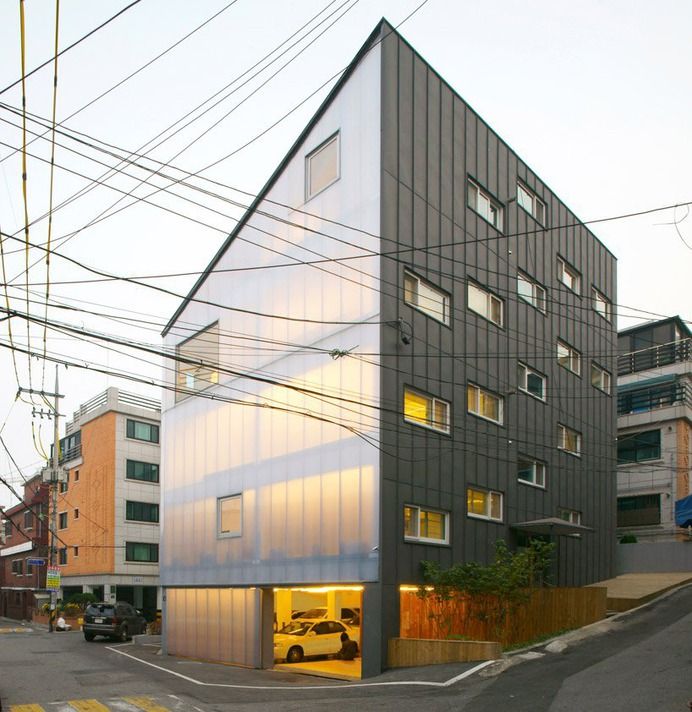 wise architecture: y house