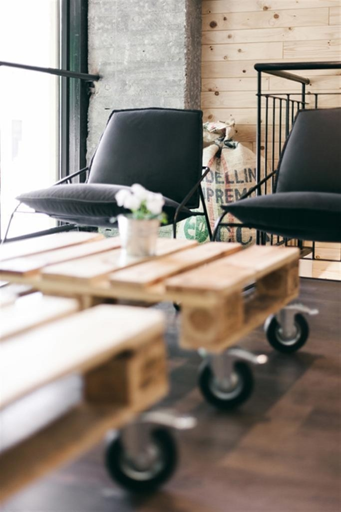 StockCoffee by Arhitektura Budjevac - www.homeworlddesign.com #bar #cofe