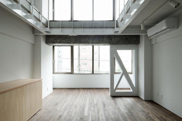 Renovation of Ochanomizu by Roovice #modern #design #minimalism #minimal #leibal #minimalist