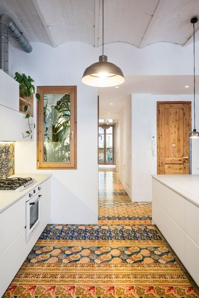 XX Century Patio-Apartment Refurbished and Adapted to Mediterranean Climate in Barcelona 3