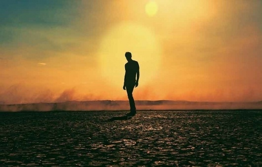 Tycho—A Balancing Act Between Sound And Vision | Magnetic Magazine #tycho #tim #hansen #iso50 #photography #silhouette #magnetic #navis #scott