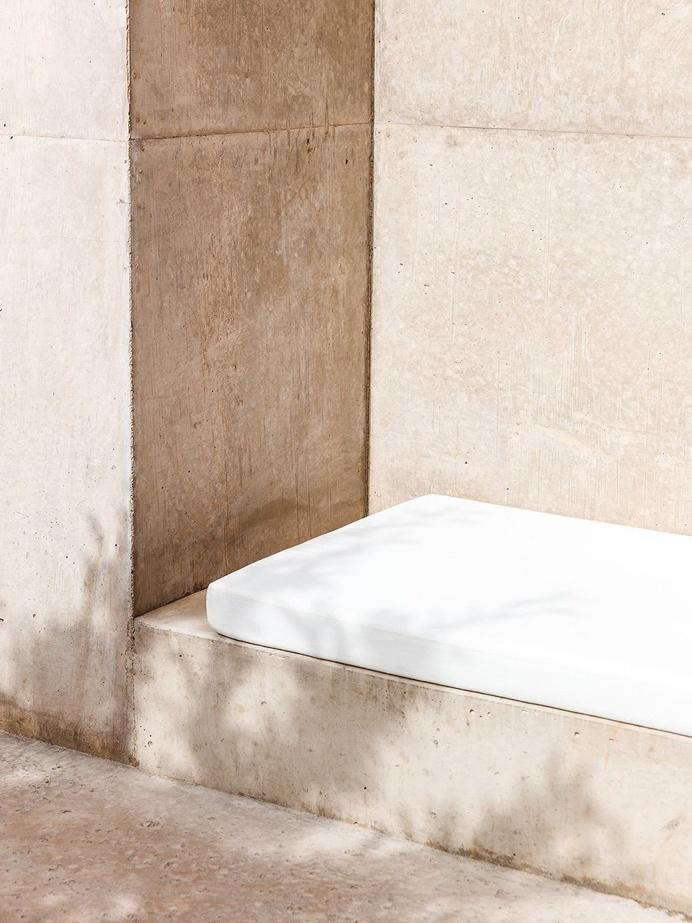 Outdoor seating niche. Amangiri. © Rich Stapleton. #niche #outdoor #lounge