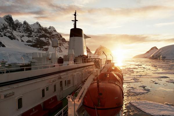 Antarctic Sunset #antarctica #travel #photography #explore #ice #sunset #epic