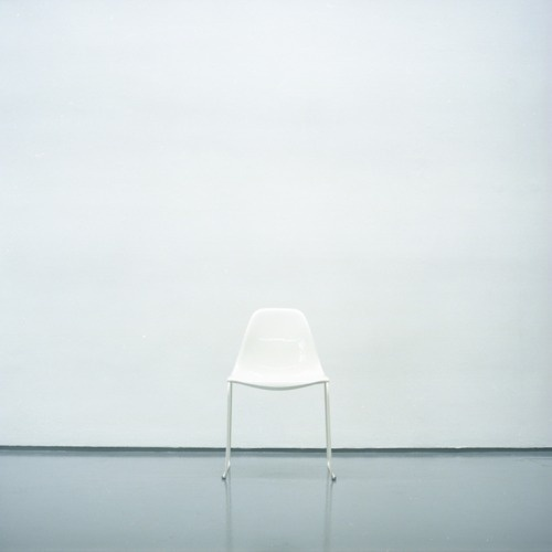 tumblr_lhy8nyXcRh1qamm7n.png 500×500 pixels #white #chair #design #product #on #photography