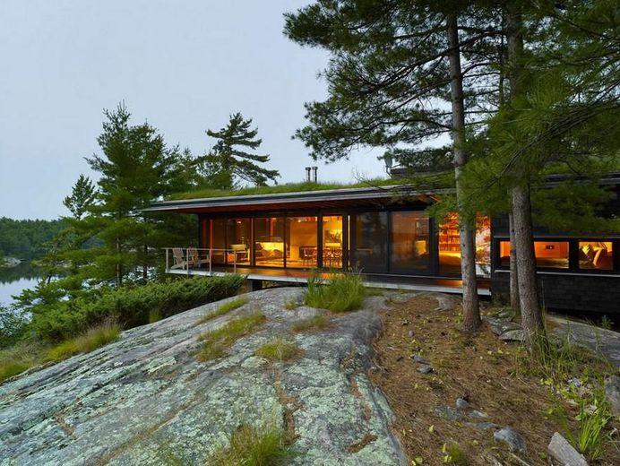 Four-Season Family Cabin in Southern Ontario by Ian MacDonald 1