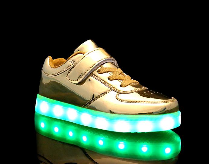 Children stay germination light shoes