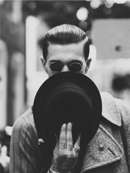 tumblr_mmzfb9ZZFa1s3jpaqo1_500.jpg (418×558) #glasses #hat