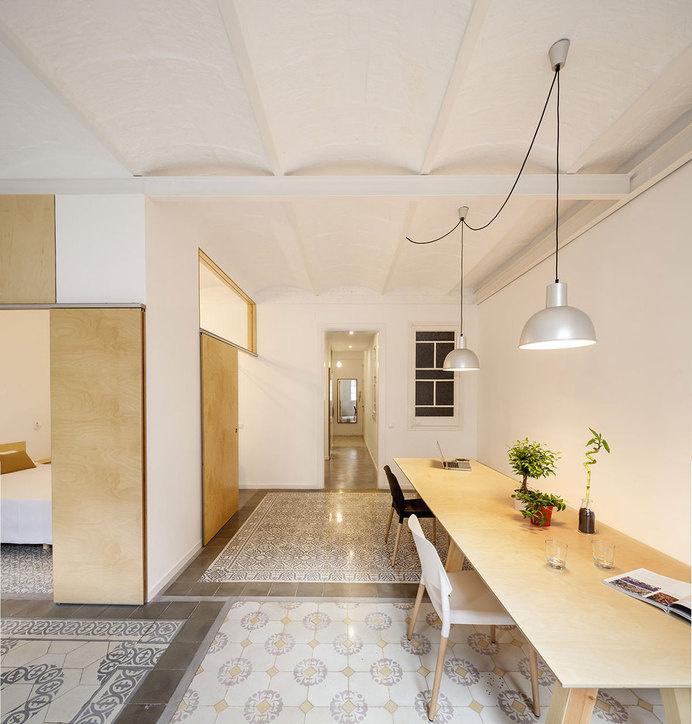 Apartment Eixample renovated by the Spanish architect Adrian Elizalde - HomeWorldDesign (7) #interior #design #eixample #barcelona #apartment