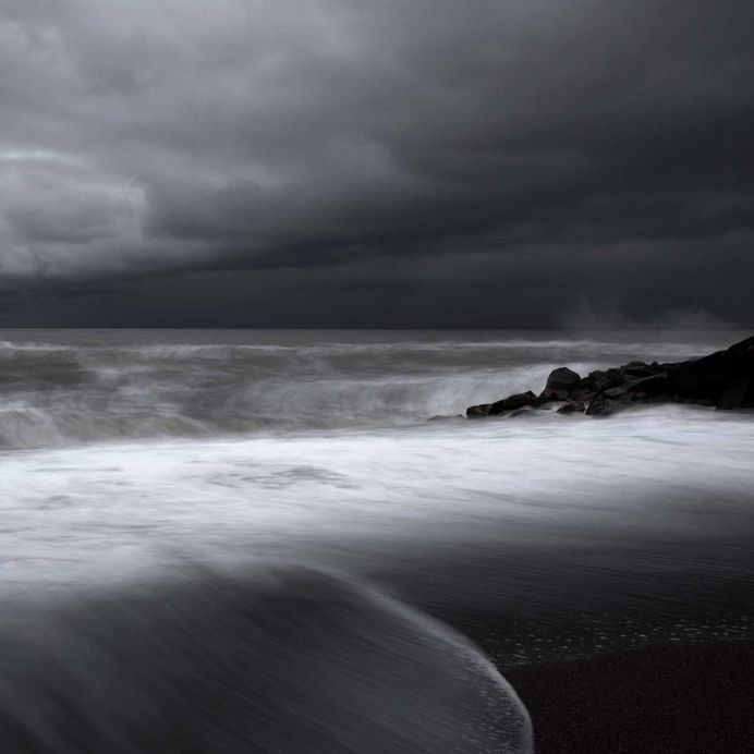 Echoes of Light: Long Exposure Seascapes by Mehran Naghshbandi