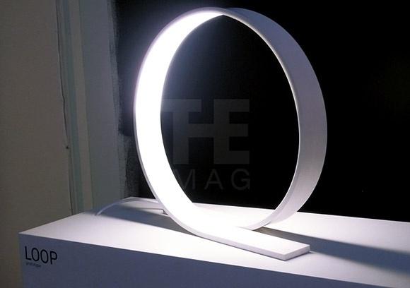 Loop LED table lamp by Timo Niskanen | Lighting | Home #lamp #loop #design #lighting