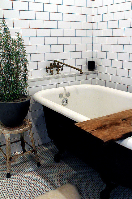 http://28.media.tumblr.com/tumblr_lwtonlPizo1qjxia2o1_500.jpg #interior #bath #in #of #design #home #the #street #middle