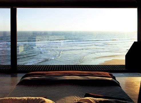 tumblr_mb4zw2CPiW1rf4s21o1_500 #window #ocean #view #bed