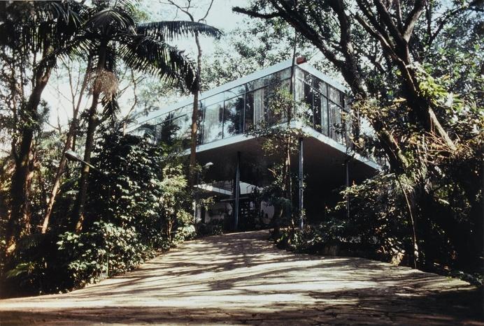 Lina Bo Bardi's Glass House (Casa de Vidro), #Brazil #architecture