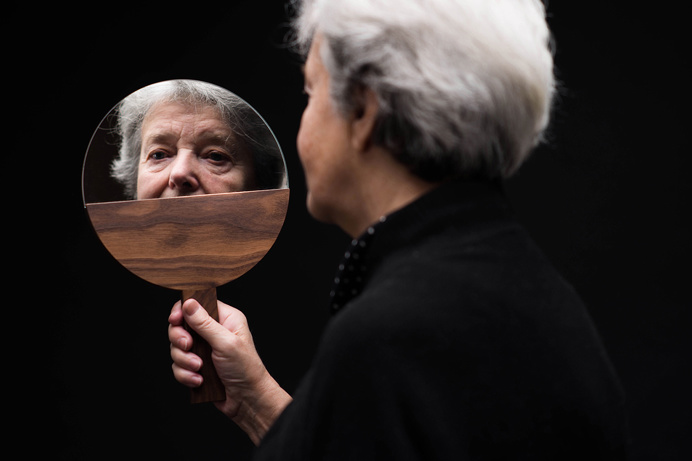 Katerina – beautiful wooden cosmetics set