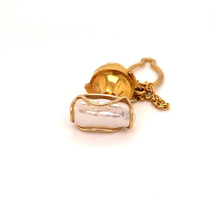 Yellow gold cultured river pearl tie tac