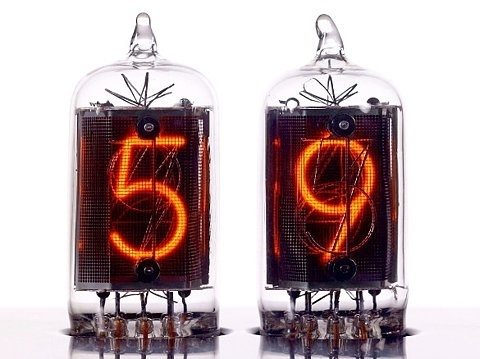 FFFFOUND! | Nixie Clock Chronotronix V400 | Buzz Beast | Digital Lifestyle Magazine #clock #nixie