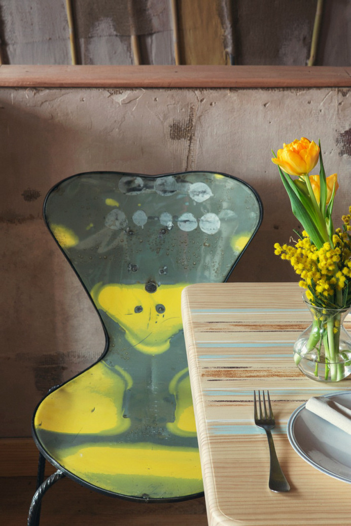 MamaCampo restaurant eclectic design with decors and pastel shades - www.homeworlddesign. com (1) #madrid #design #interiors #restaurant