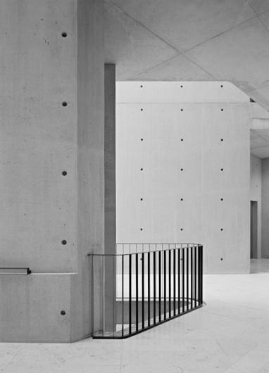 1102765_zE6uXAzj_c.jpg (Imagem JPEG, 433x600 pixéis) #architecture #minimal
