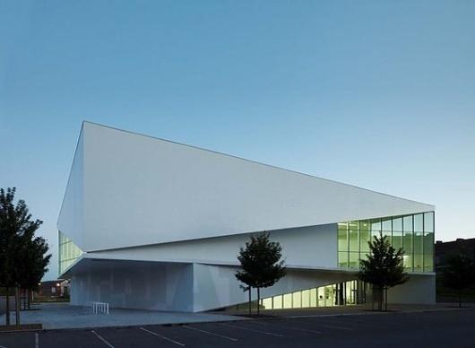 Médiathèque d'Anzin by Dominique Coulon Architecte (FR) @ Dailytonic #architecture