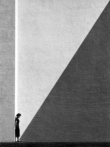 Black and White #street #diagonal #proportion