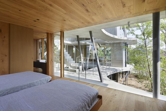 Earth House by Tomohiro Hata Architect & Associates