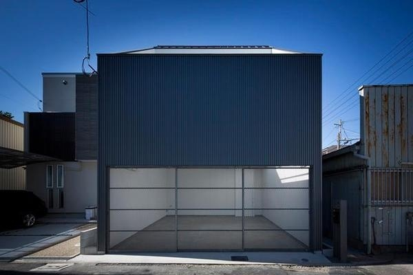 House in Hamadera by Horibe Associates Architect's Office #modern #design #minimalism #minimal #leibal #minimalist