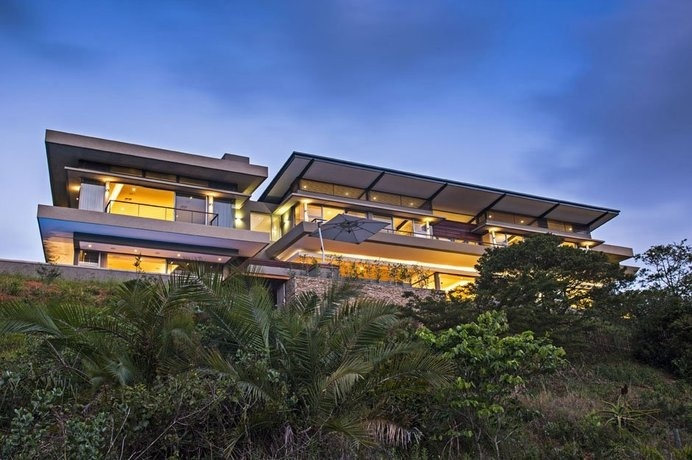 Comfortable, Relaxing And Visually Impressive: The Albizia House By Metropole Architects #architecture