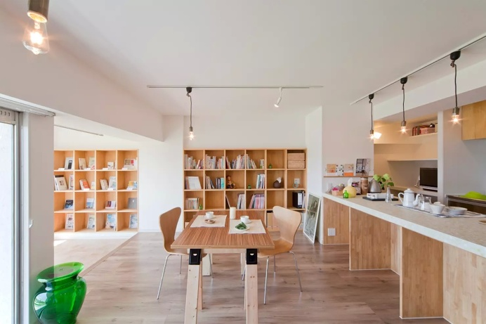 Book Cafe House by Art & Materials Corporation