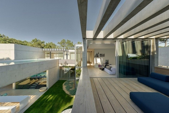 Patio House - The Wall House / Guedes Cruz Arquitectos 16