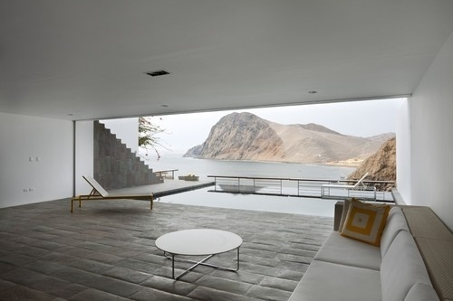 tumblr_lkr4qhLqHG1qbkqluo1_500.jpg (500×333) #interior #design #home #balcony #architecture #window #mountains