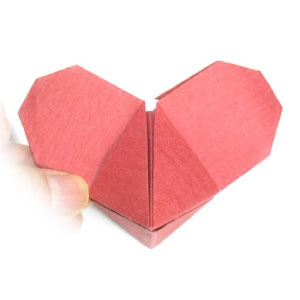 How to make a Mickey Mouse origami heart (http://www.origami-make.org/howto-origami-heart.php)