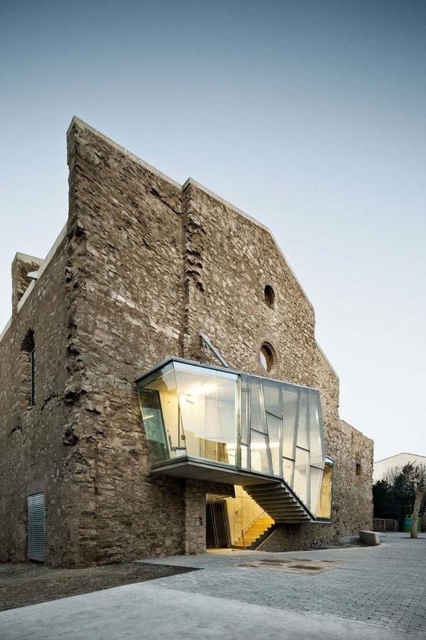 CJWHO ™ (Sant Francesc by David Closes Architects David...) #bricks #design #architecture #restauration