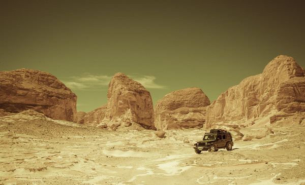 EGYPT_4148 DUP.jpg (1860×1132) #truck #jeep #adventure #egypt #desert