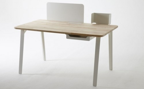 Mantis Desk by Samuel Wilkinson #minimalist #design #desk #minimal