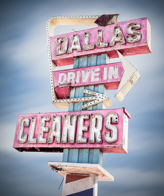 Neon Sign #cleaners #sign #in #drive #dallas #neon