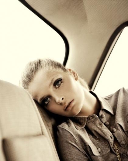Merde! - Fashion photography (via: petals-avenue)