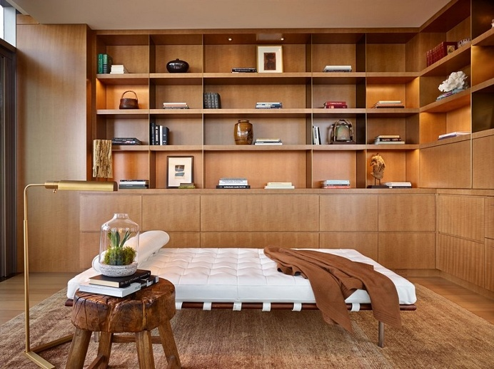 Private Penthouse by NB Design Groups