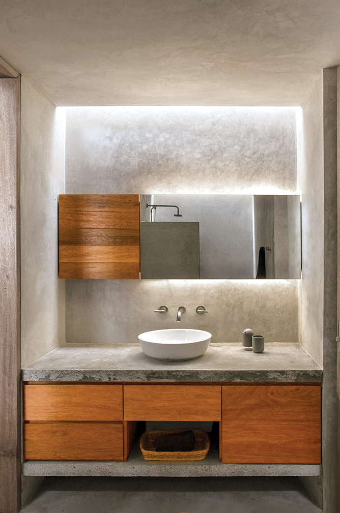 Craft shelter – The bathroom